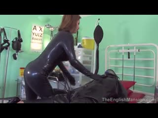 Catsuit_latex_gas_mask_1