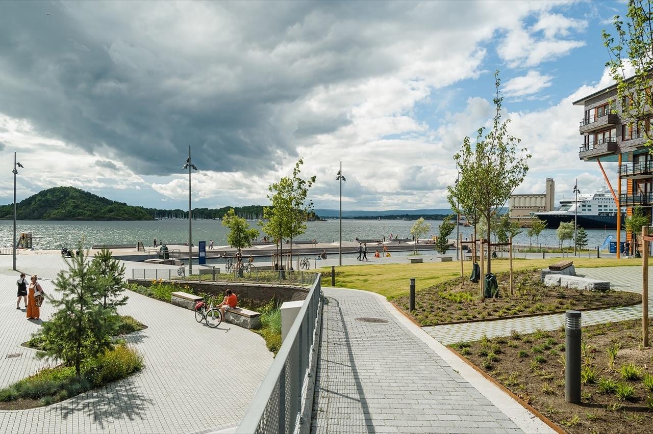 Sørenga Central Park and Harbor Promenade \ Grindaker \ Oslo, Norway