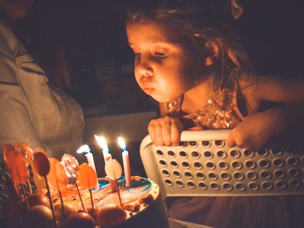 ещё обратила джей ло задувает свечи фото лак деформирует