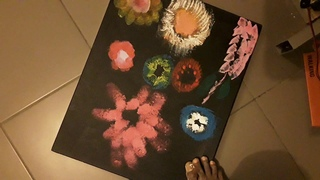 Eugène Andria - How to paint flowers with feet (paint acrylic)