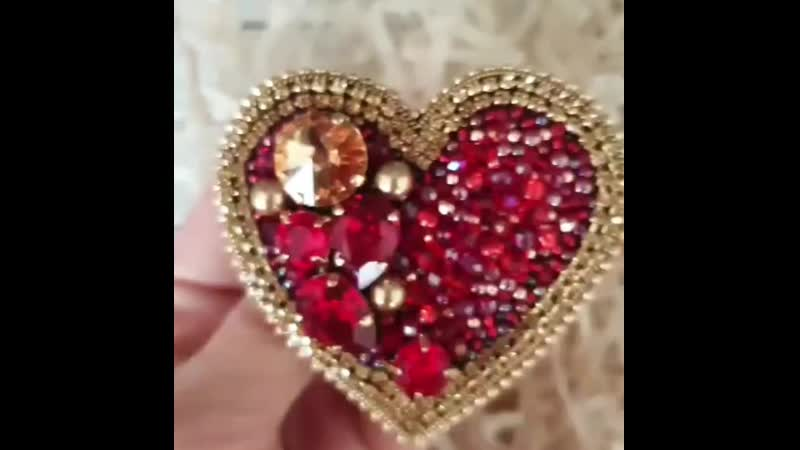 Брошь Сердце Королевы