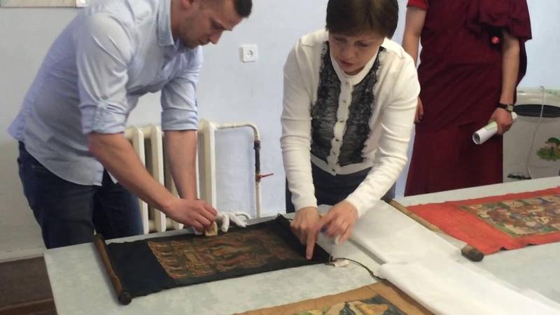 Реставраторы «Эрмитажа» показали как сохранить буддийскую живопись