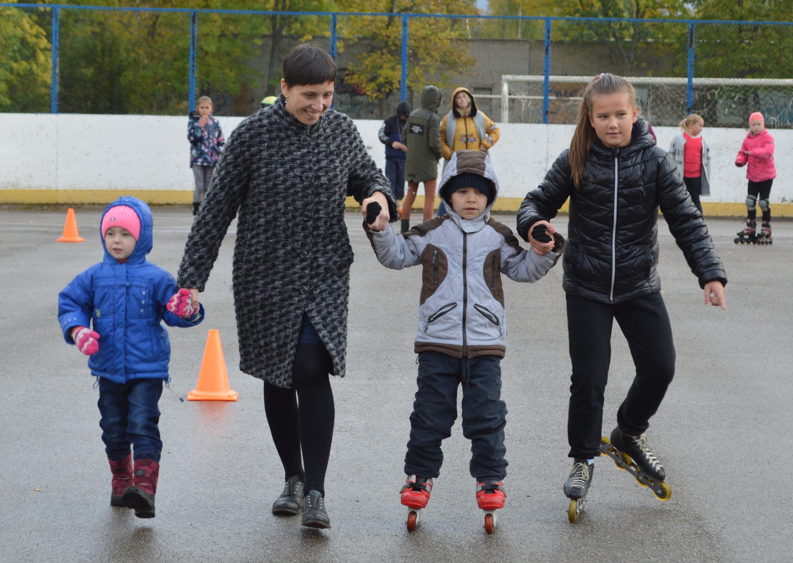 На Липовой горе состоялся детский праздник «Чудеса на роликах»