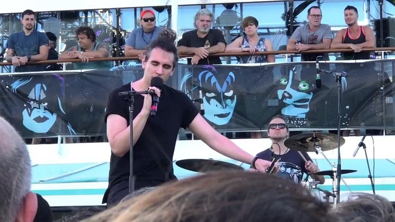 Nick Simmons singing Fever on KKVI