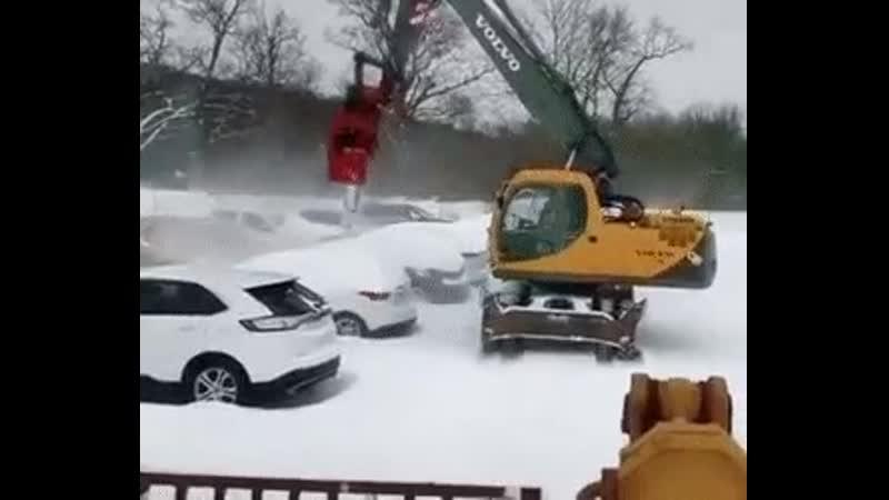 Зимой лопата не нужна если есть эта сдувалка.