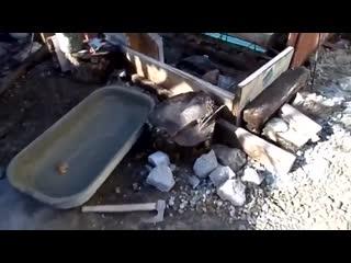 Как замесить большое количество бетона одному в маленькой посуде