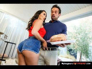 Naughty America - My Daughter's Hot Friend / Sofi Ryan & Johnny Castle