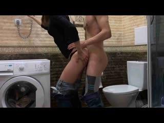 Потише! Соседи услышат! (AnnaForia) секс в туалете русская пара с диалогами в одежде носках раком нежно