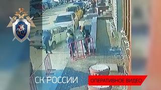В Омске следователи устанавливают причины схода снега с крыши торгового комплекса
