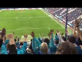 Сегодня на матче Зенит  Урал в Санкт-Петербурге болельщики радостно скандировали Мы все умрем