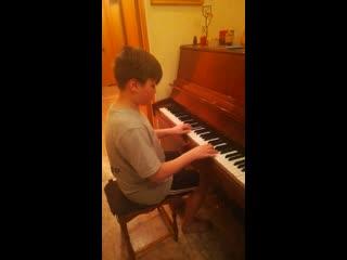 Юный пианист #сидимдома#мывместе#библиотекафилиал1Красноуральск