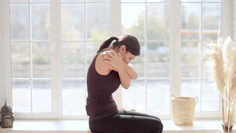 День 12 Урок 8 Приём на раскрытие грудного отдела на стуле