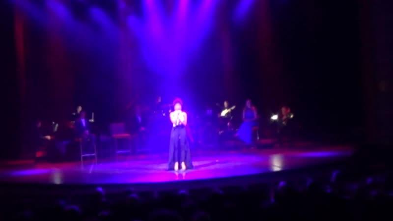 Последний концерт на корабле перед Майами с участием русской скрипачки Истоминой