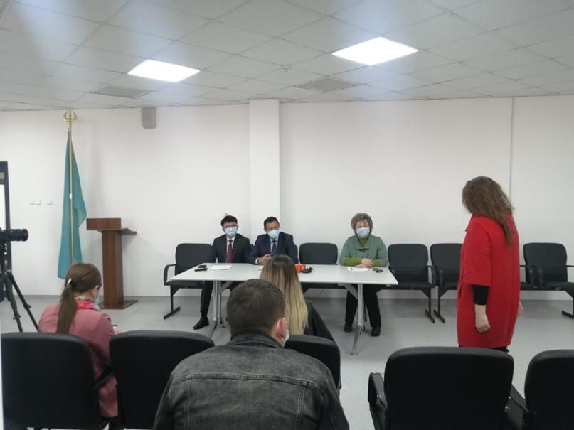 Нашумевшая информация о том, что медикам Восточного Казахстана не выплачивают на...