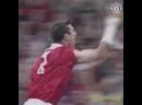 Эрик Кантона - гол со штрафного за Манчестер Юнайтед