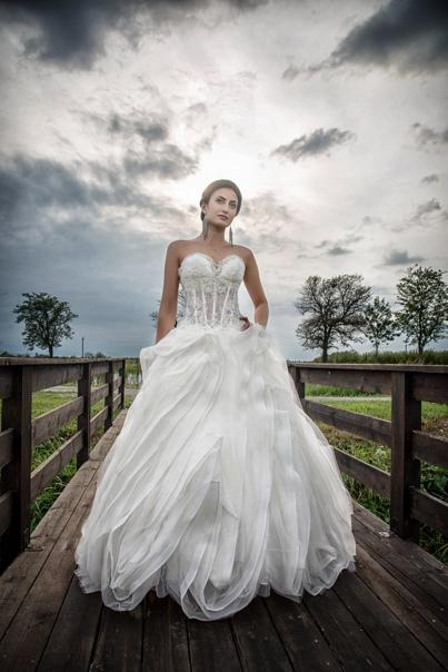 Georgy Lapinsky: Платье от Салона La belle Стиль от Салона Ангел Место съемок: ресторан Фермер