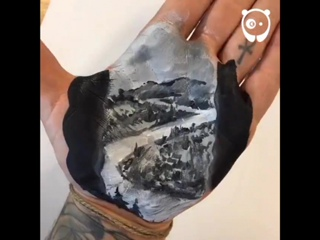 Bored Panda - Artist paints with his palm