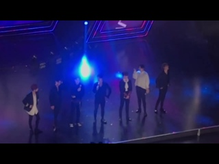 [FANCAM:PERF] 180119 GOT7 - Never Ever + You Are +Talk @ «V Live Year End Party 2017» в Хошимине, Вьетнам.
