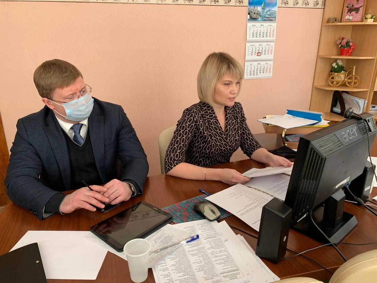 Ситуацию на рынке труда региона обсудили на совещании при губернаторе области