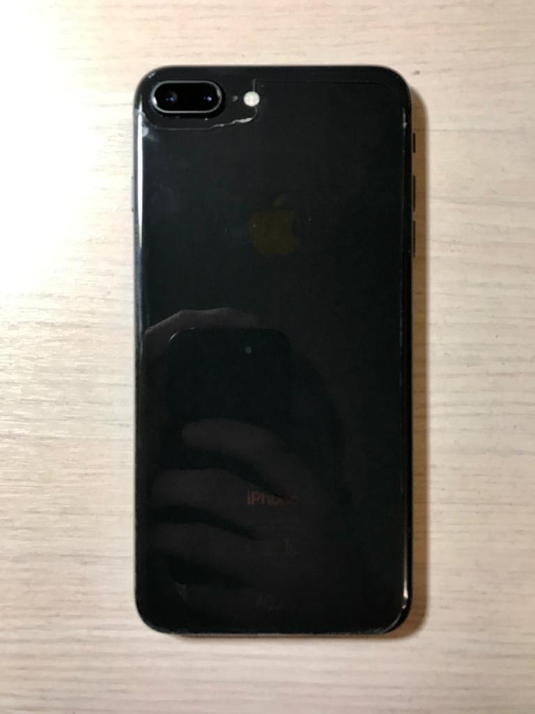 Продаётся iPhone 8 Plus 64 гига, чёрный.