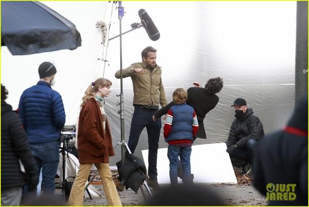 """Райан Рейнольдс бьет Марка Руффало на съемках триллера Netflix «Проект """"Адам""""»"""