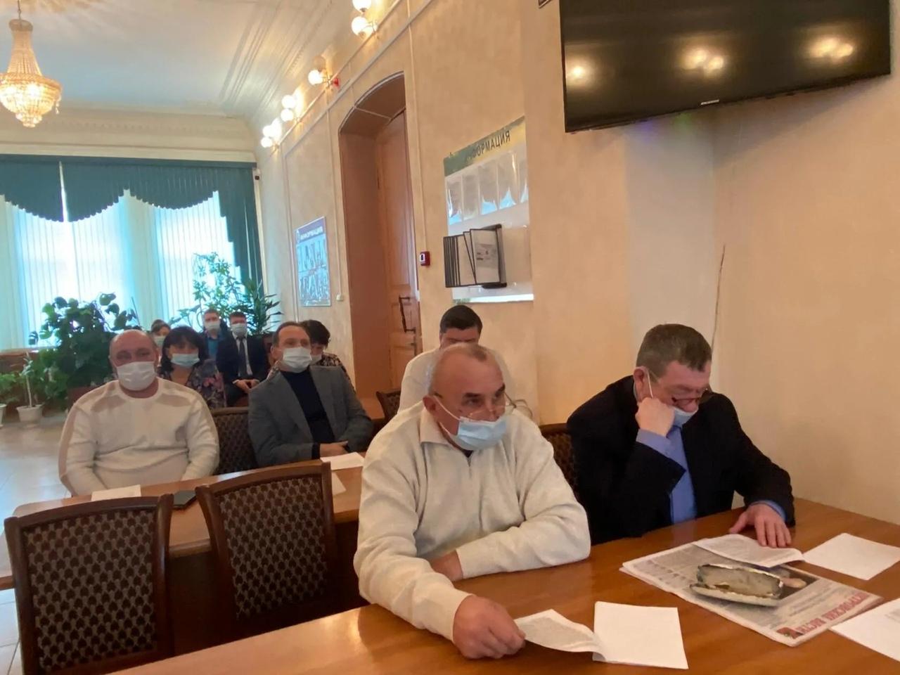 Перед депутатами районного Собрания с отчётом об итогах работы выступил начальник Петровского отдела МВД