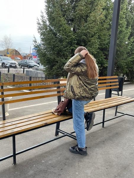 Анон. Видел утром на вокзале, очень понравилась, а...