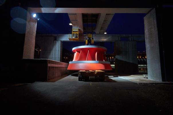 На Красноярскую ГЭС доставили два новых колеса