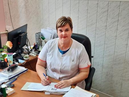 Колобынцева Елена Александровна – медицинская сестра, стаж работы 32 года.