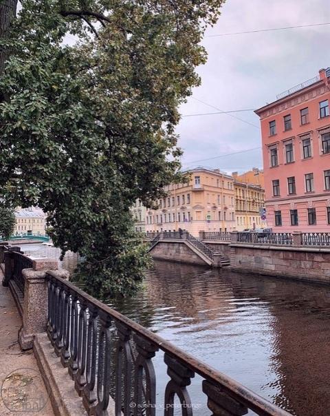 Канал Грибоедова 💙🌿🍂📷sasha_v_peterburge...