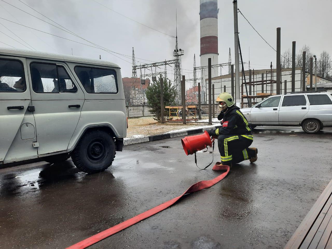 Сегодня пожарные 254-й пожарной части #Мособлпожспас провели пожарно-тактические занятия по ликвидации последствий #ДТП в городском округе #Электрогорск☎  Подобные тренировки позволяют на практике отработать порядок действий в случае возникновения чрезвыч