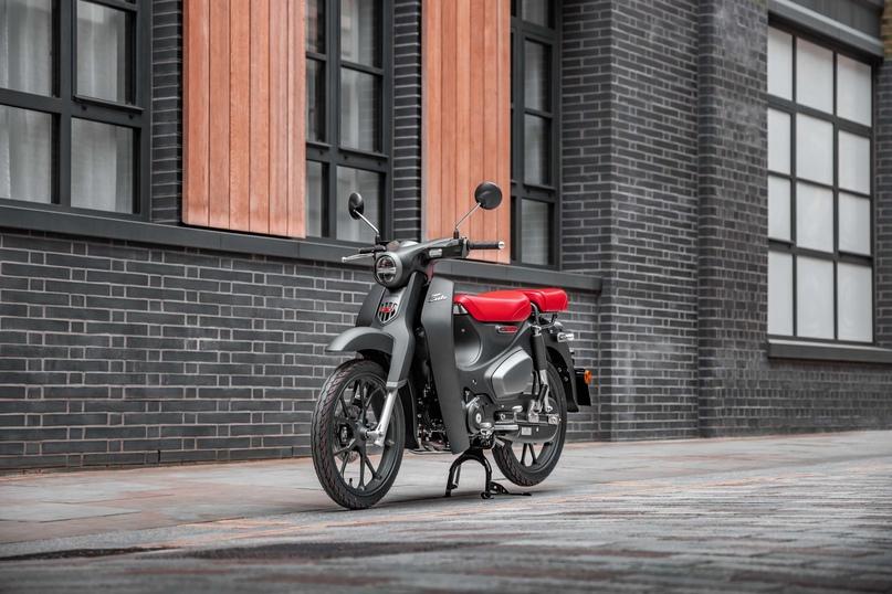 Honda Super Cub 125 2021 с пассажирским седлом