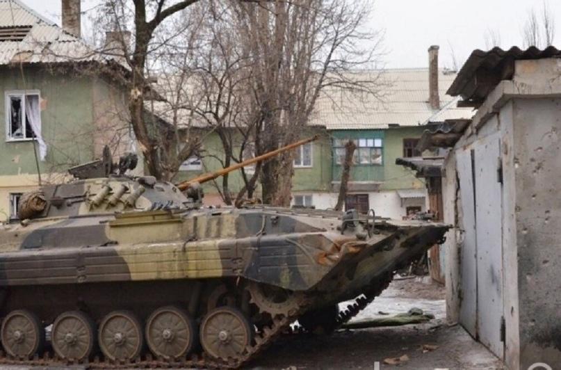 НМ ДНР: 27 единиц бронетехники ВСУ оказались на боевых позициях в Донбассе