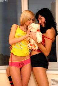 Julia & Angela
