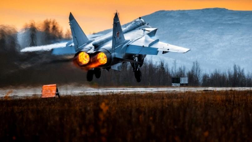 МиГ-31 «перехватил» патрульные самолеты США и Норвегии над Баренцевым морем
