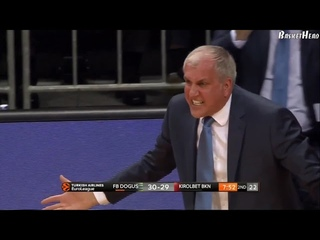 Obradovic & Jasikevicius angry reactions to bad defense