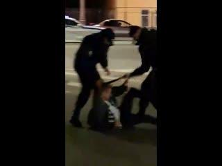 На фестиваль Hip-hop May Day нагрянули полицейские