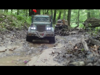 RC AXIAL SCX10 Kraz -255 ZIL-131 and Jeep Wrangler going up stream