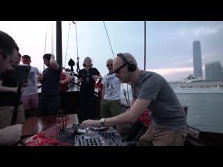 Above & Beyond - Deep Warm Up Set (ABGT300 Live on Victoria Harbour, Hong Kong)