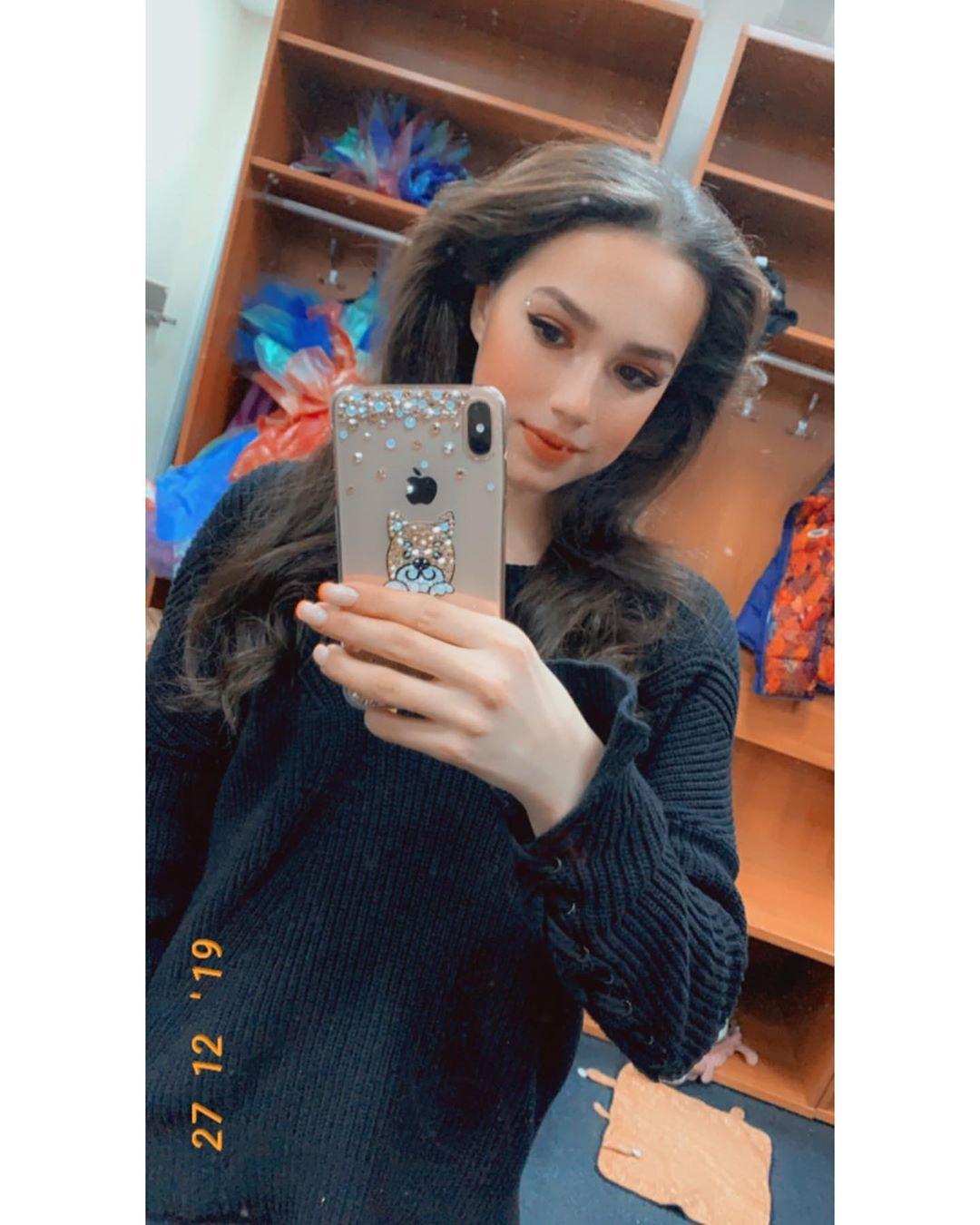Алина Ильназовна Загитова-2   Олимпийская чемпионка - Страница 50 J9EXevK1P8Q