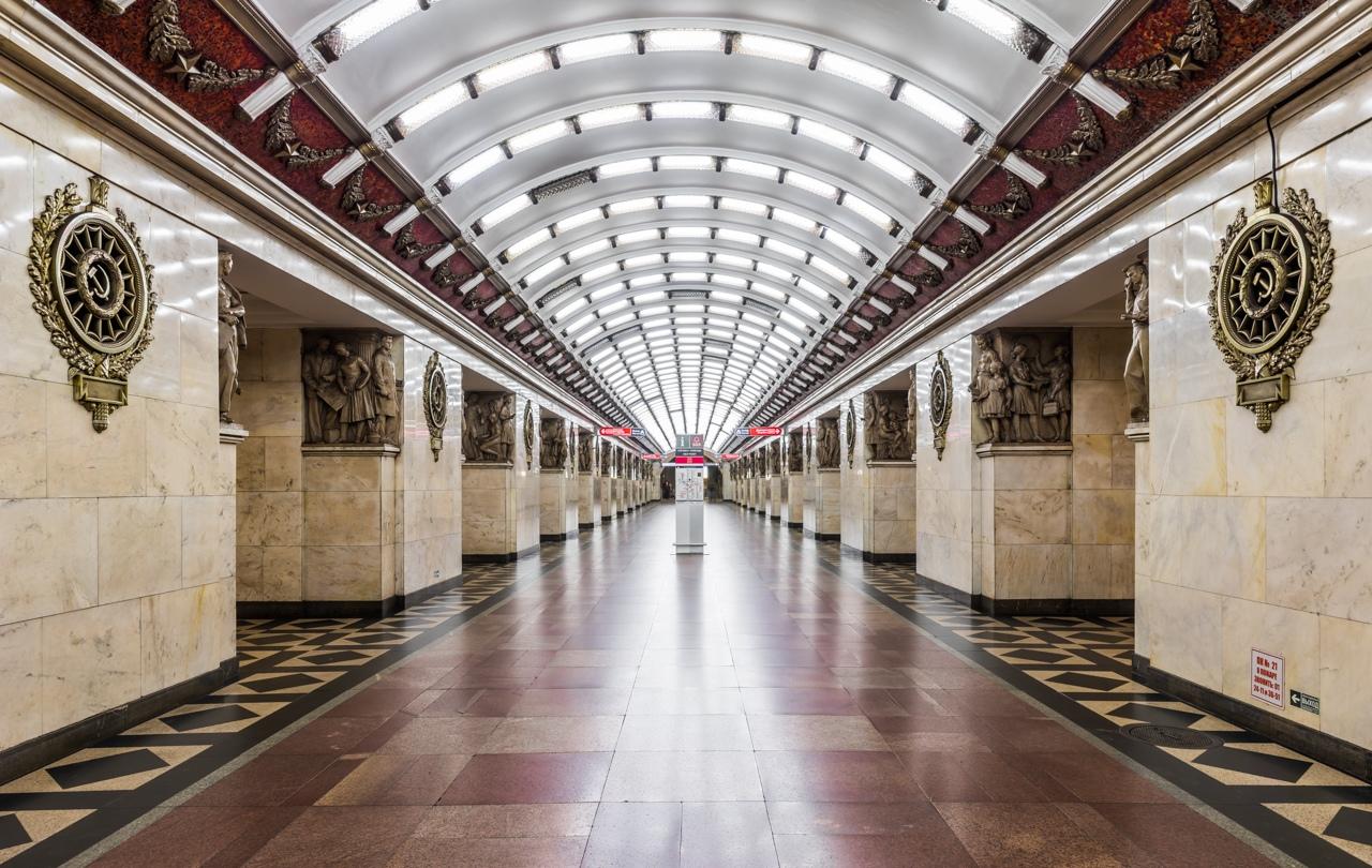 Метро Санкт-Петербурга.
