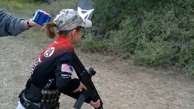Девочка 12 лет стреляет, как боец спецназа