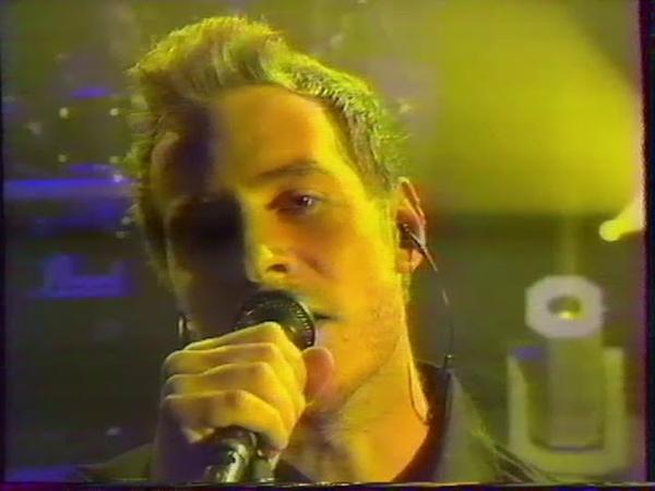 Massive Attack - Inertia creeps Angel (npa live 04 juin 1998 )