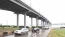 Мост через Волгу в Костроме сильно потёк после дождя. В чём причина