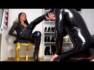 vk.com/club60432339 #femdom #trampling #fetish #foot #cbt #smother #ballbusting #footjob
